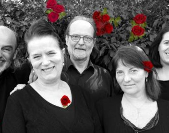 Op rozen - Ensemble Bread and Roses